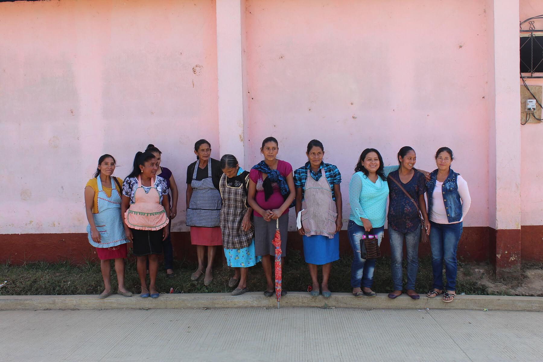 https://redstrandcoffee.com/wp-content/uploads/2019/04/Red-de-Mujeres.jpg