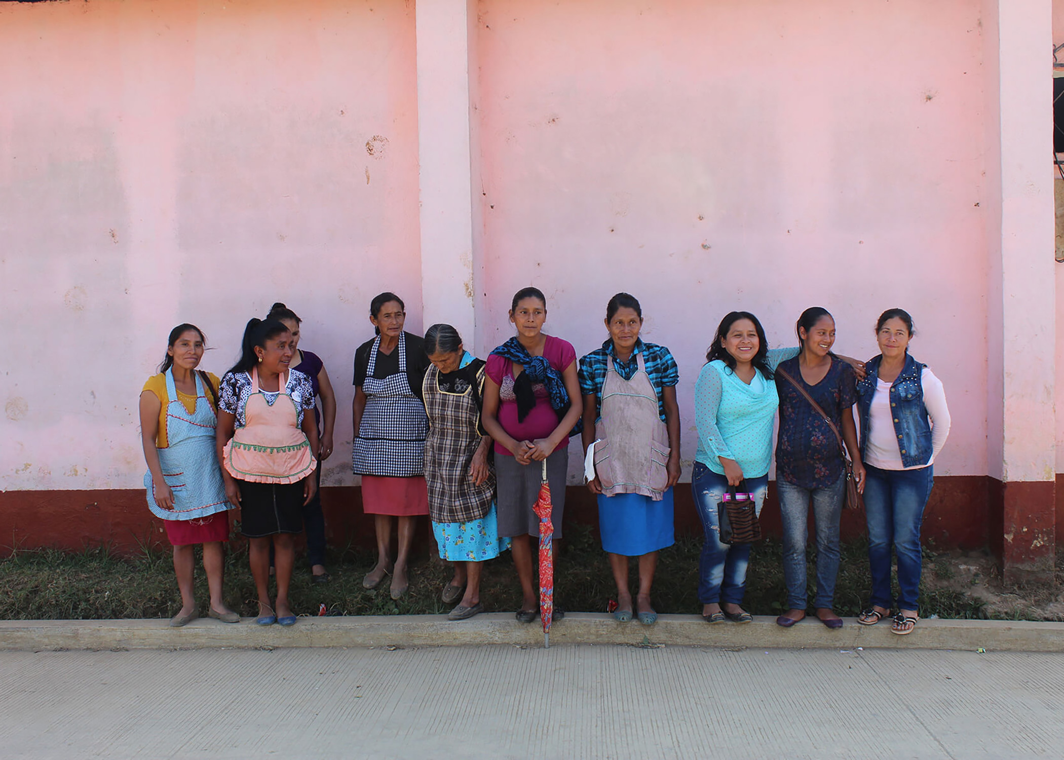 http://redstrandcoffee.com/wp-content/uploads/2019/11/Red-de-Mujeres.jpg